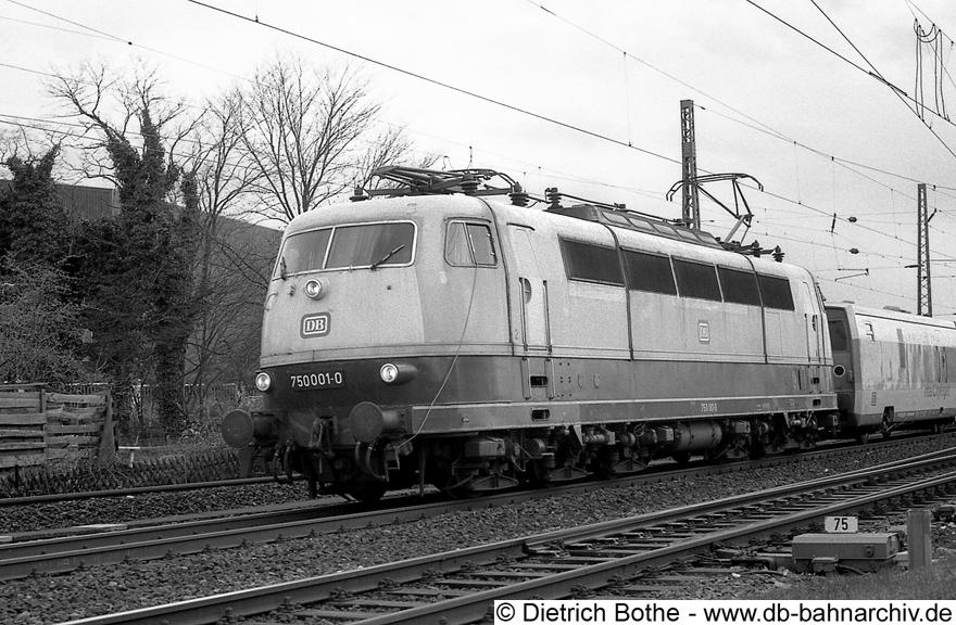 http://db-bahnarchiv.de/webseite/images2/1994-0057_0861-35.jpg