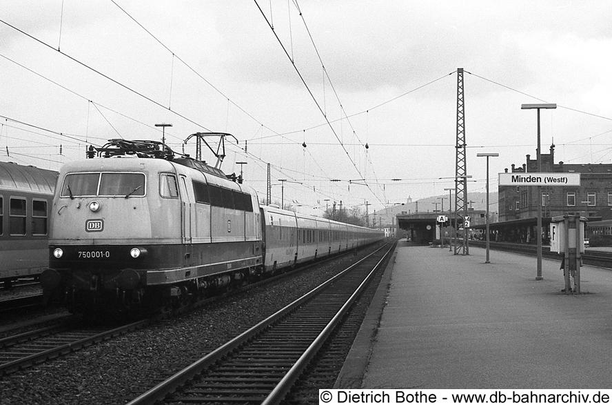 http://db-bahnarchiv.de/webseite/images2/1994-0077_0862-14.jpg