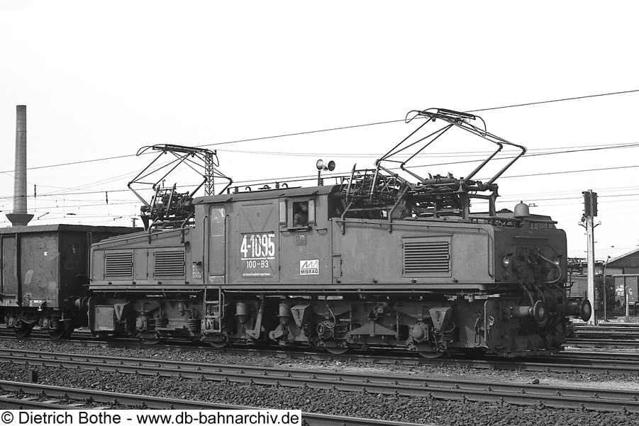 http://db-bahnarchiv.de/webseite/images2/1994-0110_0862-37.jpg