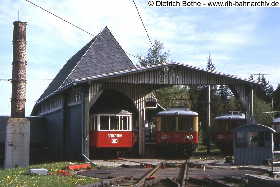http://db-bahnarchiv.de/webseite/images2/1994-0340_102527.jpg