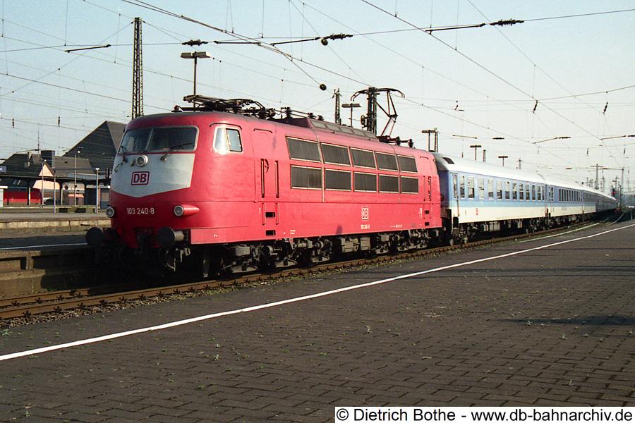 http://db-bahnarchiv.de/webseite/images2/990330_103240